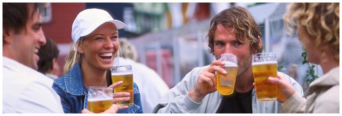 People having a beer outside Stavanger restaurant