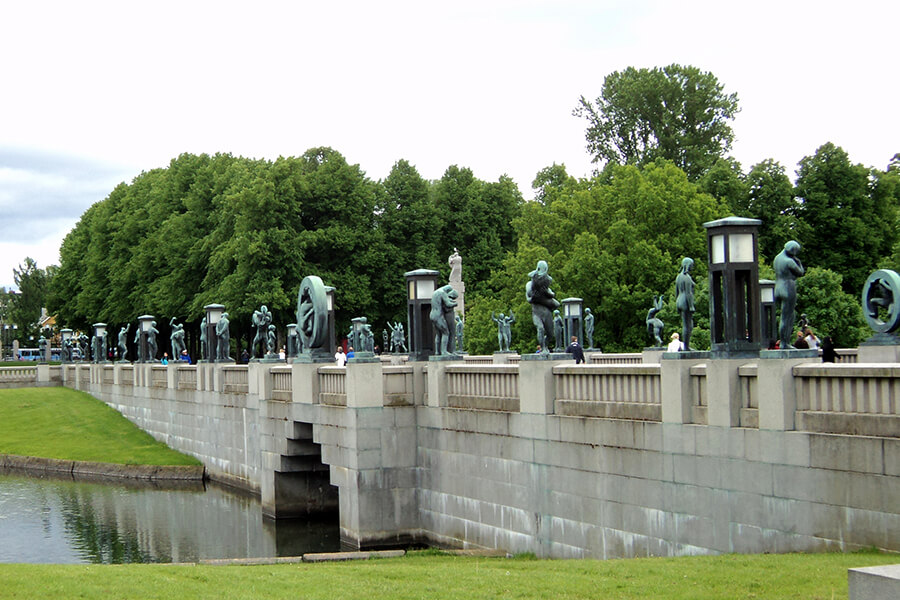Vigeland park bridge